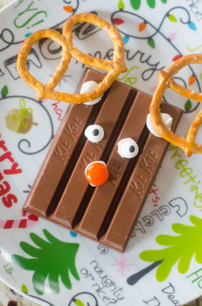 These cute Kit Kat Reindeer are easy to make and (almost) too cute to eat. Here's how to make them!