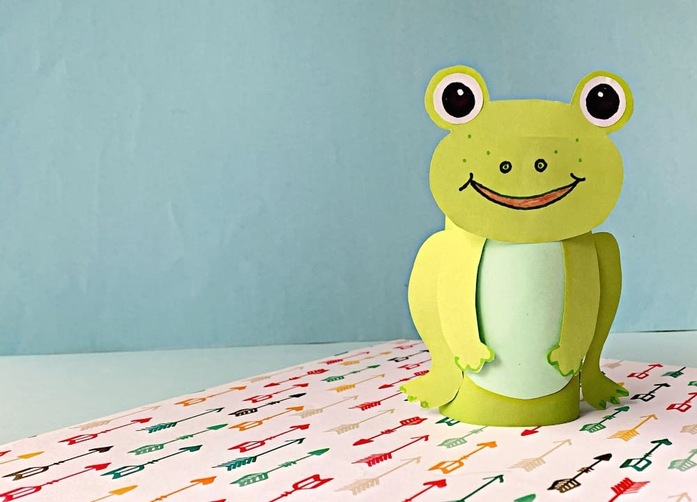 Toliet paper roll frog - Zoo Animal Crafts for Kids